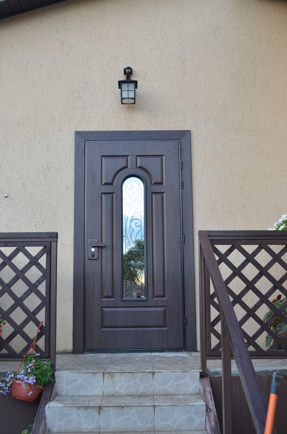 уличные металлические двери в наличии